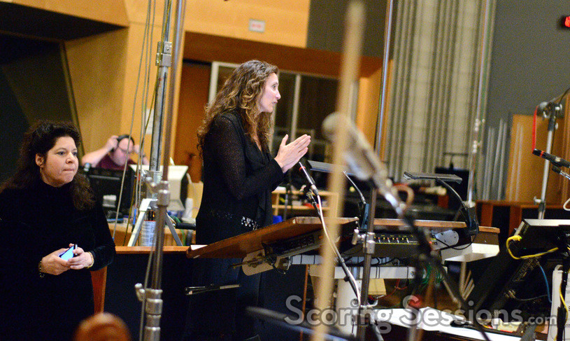 Composer Hélène Muddiman thanks the orchestra