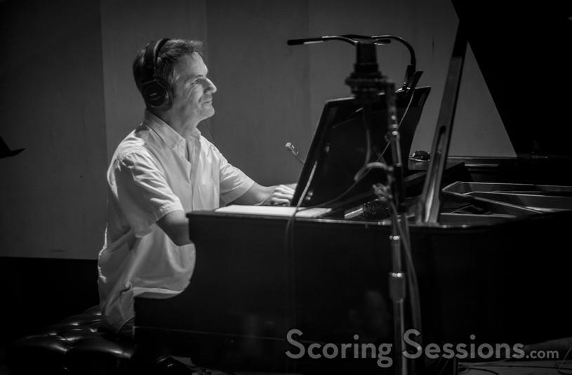 Pianist Robert Thies