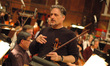 Principle violist Brian Dembow talks to the viola section