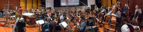The Hollywood Studio Symphony performs on <em>Game Night</em>