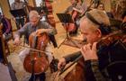 Cellists Dennis Karmazyn and David Lowe