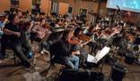 The violins perform on <em>Tag</em>