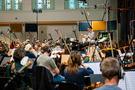 Erik Arvinder conducts the strings